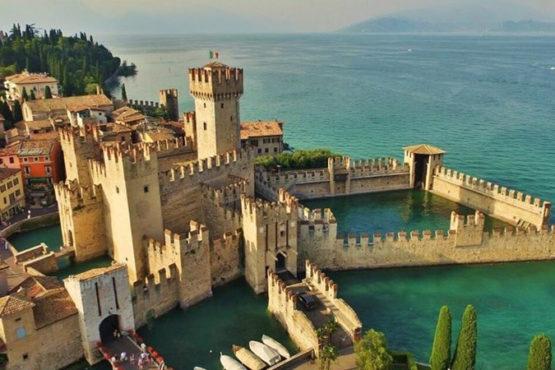 MILANO LIMOUSINE: tours al castello Scaligero di Sirmione